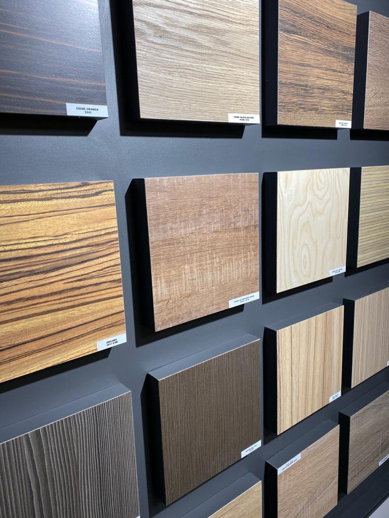Le choix des matériaux est également un des avantages de la fabrication de meubles sur mesure !